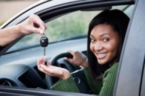 Reasons Why Young Female Car Insurance is Less Expensive
